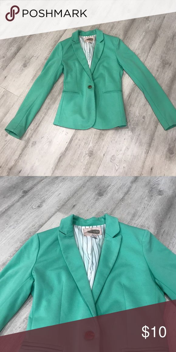 Mint green blazer Mint green blazer. Tailored fit. Faux pockets. Great condition Jackets & Coats Blazers