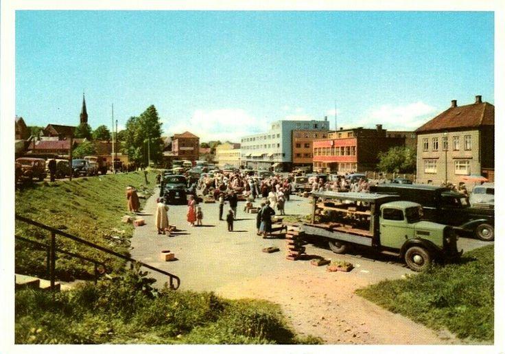 Østfold fylke Moss Torghandel og lastebiler 1950-tallet