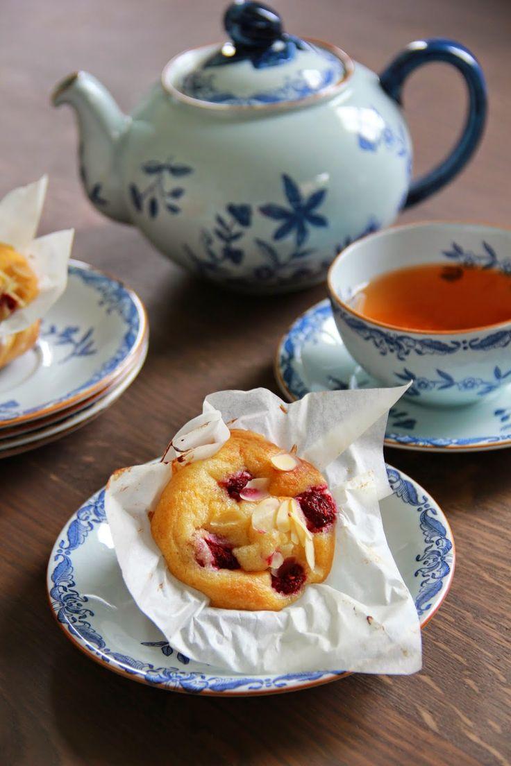Yoghurt muffins met frambozen & amandelen