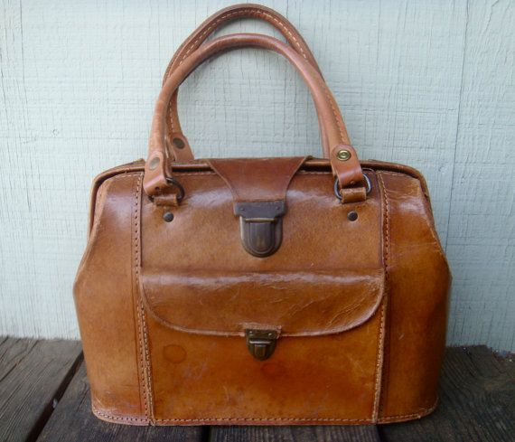 Vintage Leather Camera Bag...I want this as my purse.