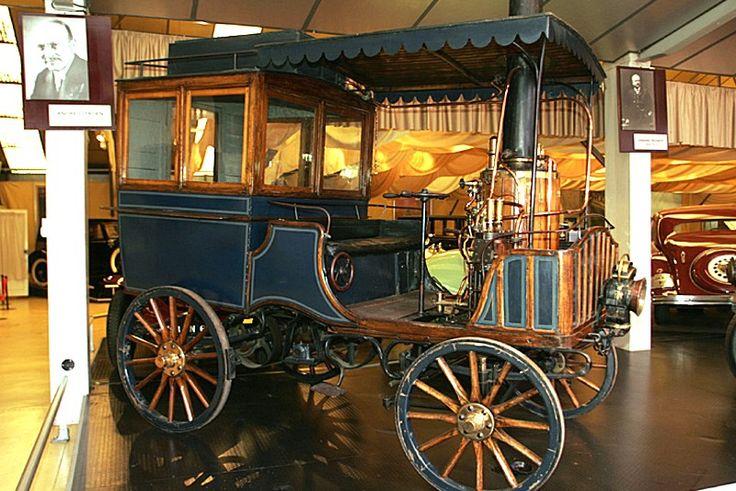 Scotte, tracteur à vapeur de 1892  Ce tracteur de 1892 atteignait 12 km/h, mais était déjà de conception ancienne pour l'époque.