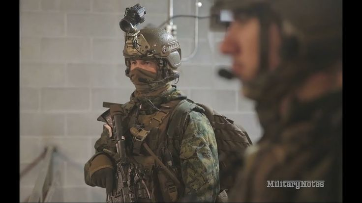 USMC Recon conduct live fire and raid mission (2nd Recon Bn) - YouTube