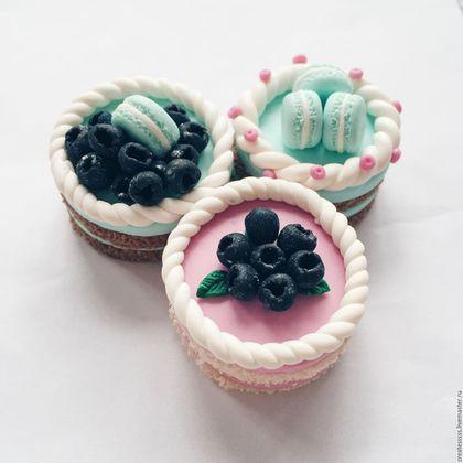 """Ложки ручной работы. Вкусная ложечка """"Розовый тортик с голубикой"""". Createsssss. Ярмарка Мастеров. Вкусная ложка, миниатюрная еда"""