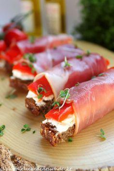 Wo die Liebe den Tisch deckt: Brot-Pralinen - http://back-dein-brot-selber.de/brot-selber-backen-rezepte/wo-die-liebe-den-tisch-deckt-brot-pralinen-3/