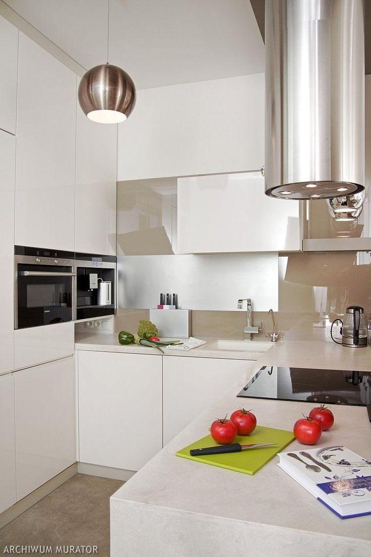 Salon i biała kuchnia