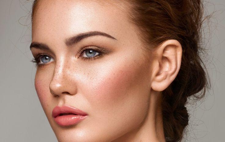 Με ποια σειρά Εφαρμόζονται στο Πρόσωπο τα Προϊόντα Μακιγιάζ;