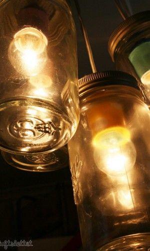 Slik lager du en råtøff Norgesglasslampe med ulike farger på lampesoklene!