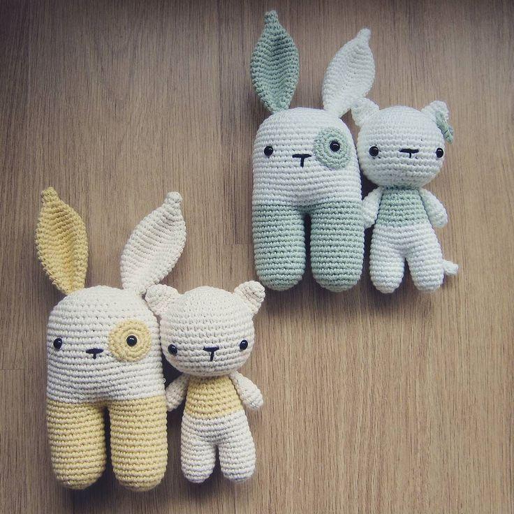 Two sets of presents ready to make someone happy! Rattle pattern by @lanukas and cat pattern by @lilleliis_official #littlebearcrochets #lanukas #lanukasbunny #lilleliis #cat #bunny #etsyshop #etsy #etsyseller #haken #hakeniship #häkeln #instacrochet #rattle #crochet #crochetaddict #crochetersofinstagram #crocheting #crochetamigurumi #amigurumi #amigurumiaddict #amigurumilove #presents #presentideas by littlebearcrochets