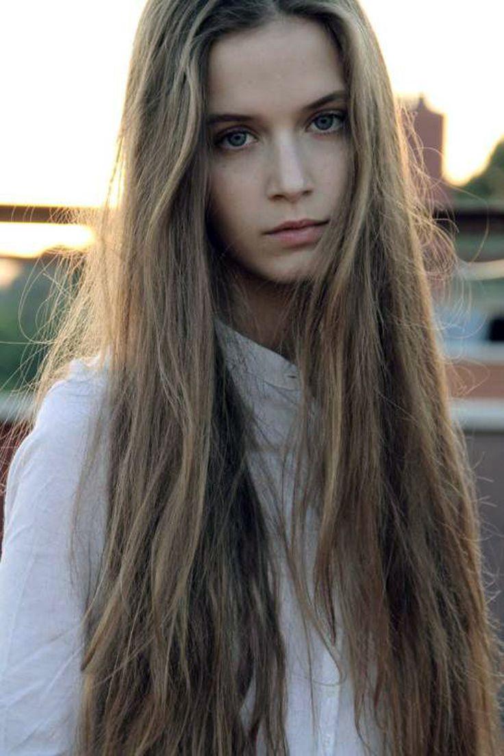Темно русая девушка фото
