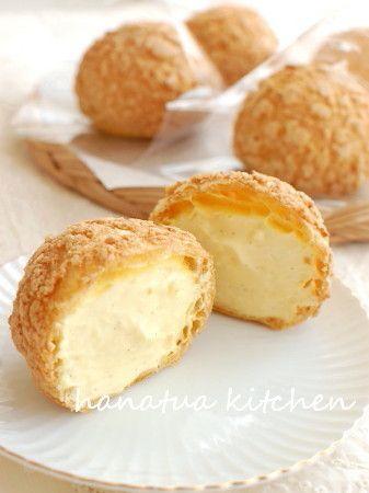 まんまるにかわいく焼きあがるクッキーシュークリームです。サクサクの皮に甘さ控えめのふんわりクリームをたっぷり詰めました。