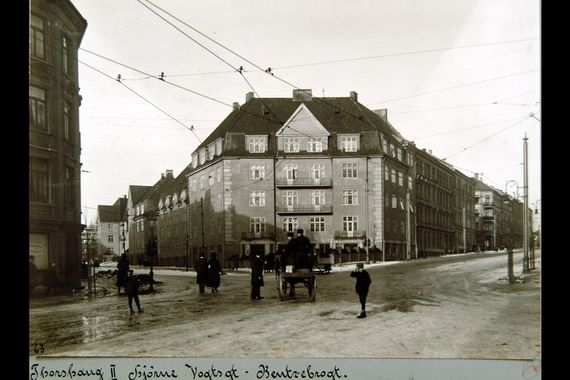 horse and carriage at torshov, 1920's