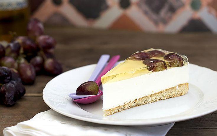 Tarta de queso y uvas con gelatina de moscatel