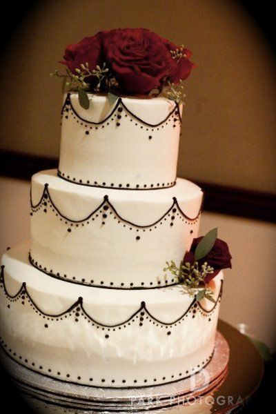 Image Detail for - Fall Winter Black Ivory Red Silver White Round Wedding Cakes Photos ...