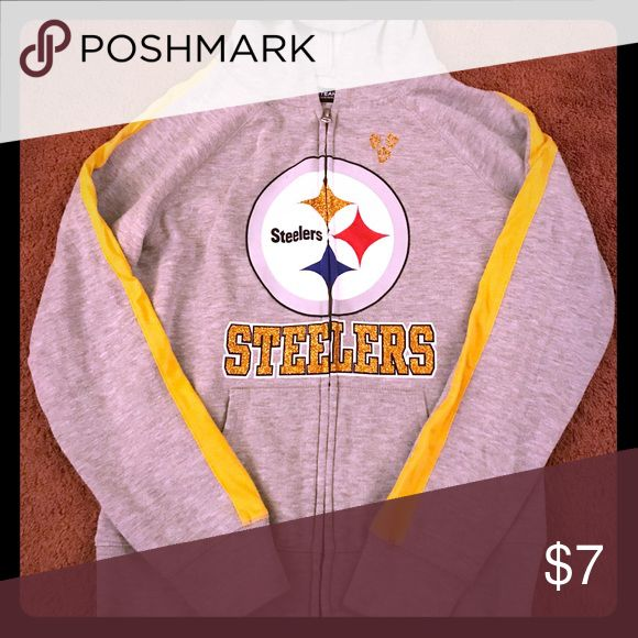 Girls Size 8/10 Zip Up Steelers Hoodie This girls Steelers hoodie is great for a girl that adores the Pittsburgh Steelers. Three gold glitter hearts on the up left. The gold in the logo is glitter as well as STEELERS. Lightly worn! Great for game day, school, or everyday wear! NFL Team Apparel Shirts & Tops Sweatshirts & Hoodies