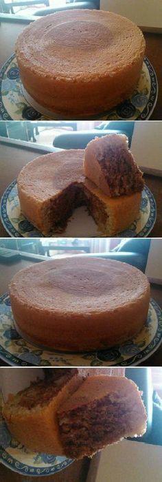 Primera vez q hago la torta economica sin huevos ni mantequilla y la verdad queda divina y super esponjosa. #bizcocho #recipe #receta #nestlecocina #buddyvalastro #tartas #torta #cocina ##tips agregramos la leche el aceite y revolver luego la vainilla y la ralladura de limon seguir revolviendo luego sacan un poco a aparte y le echan cacao y lo echan en un molde enmantecado y enharinado y ho...
