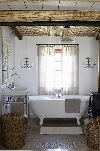 Rietdak in bathroom? Yes! :: South African Cottage - Mark Williams