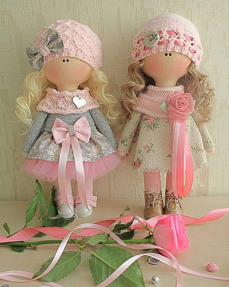 "83 Me gusta, 3 comentarios - Дом кукол Марии Зверевой (@kukla_masha_mz) en Instagram: ""Добрый день!  Обе куколки вчера нашли себе хозяек :-) #kukla_masha #dolls #doll #hand_made_gold1…"""