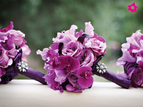 Ramo de novia con orquídeas en tono morado