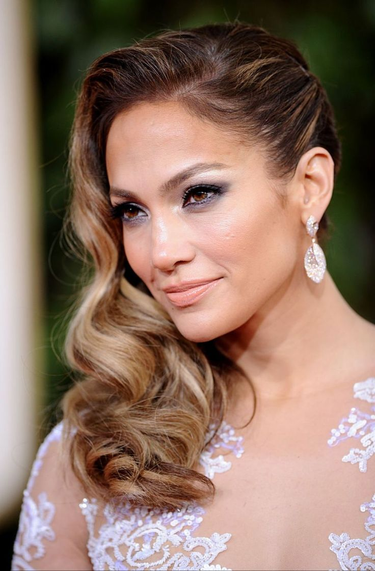 Onesided down - 6 Styling tips for thick wavy hair