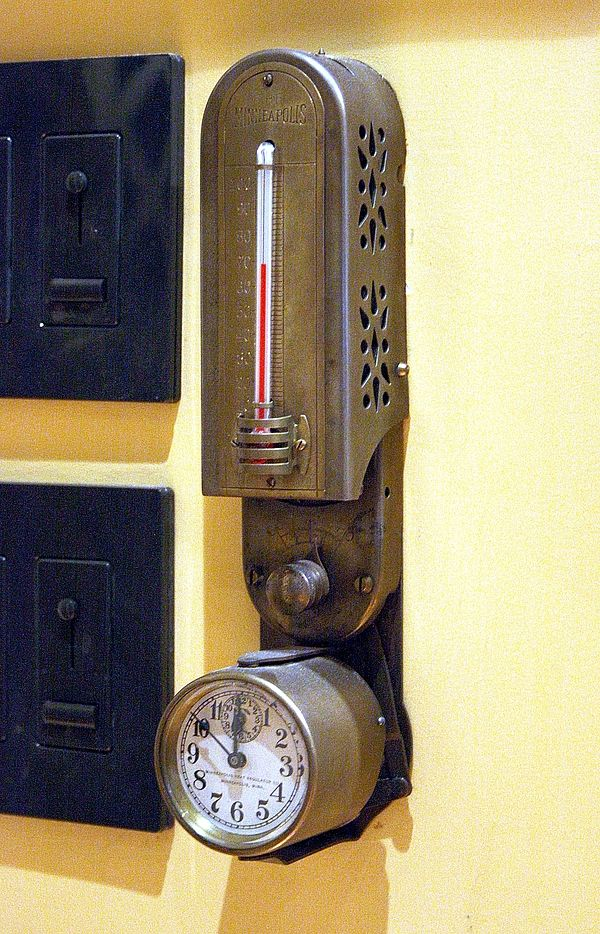 As I recall, this is the thermostat in the famous ModVic steampunk home. Since my thermostat is in my steampunk DR, I need something like this!