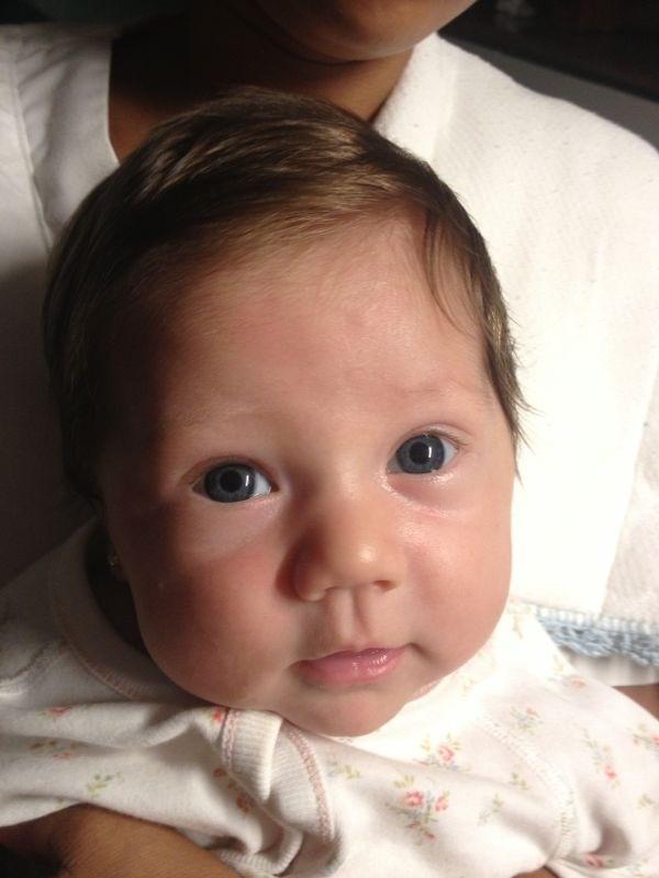 Gabriella...con sus lindos ojos. La ultima en llegar a nuestra familia El 10 de abril 2013