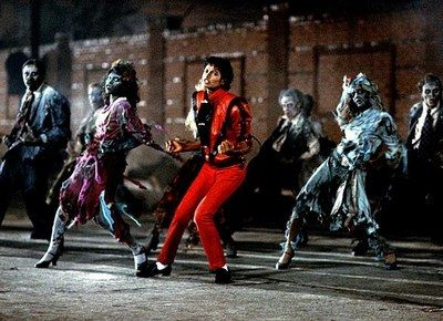 Michael Jackson et sa fameuse Zombie Dance dans le clip de Thriller.  - La musique