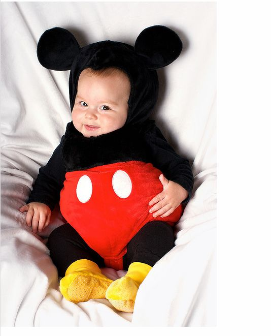 Mickey Mouse costume! Perfect for my daughter who loves Mickey Mouse Club House. h