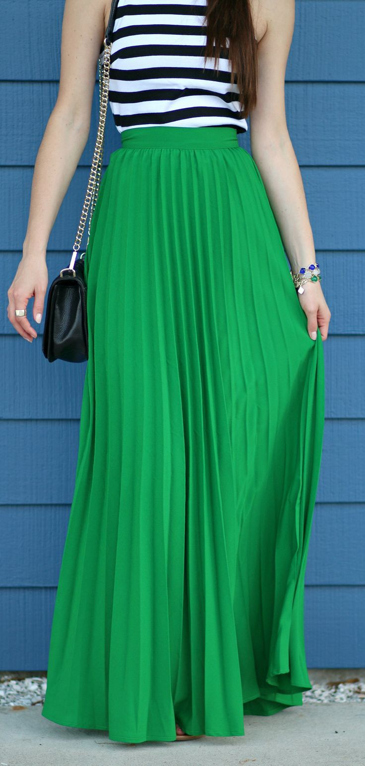 What is a green maxi skirt?