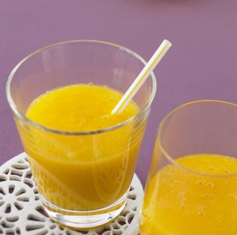 Ananas-Mango-Smoothie - Rezepte für Power-Drinks - 1 - [ESSEN & TRINKEN]