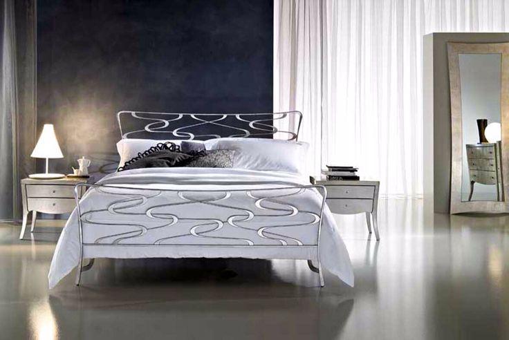 Sengegavl eller seng med italiensk design: Kolleksjon VENICE #interior #interiør #interiormirame #interiørmirame #seng #soverom #vakrehjemoginterior #vakrehjemoginteriør #design #sengegavl