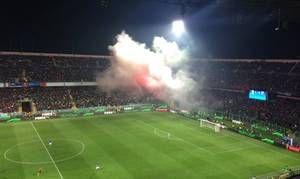 Ξέφυγαν με την Ιταλία - Πέναλτι ο Ντε Ρόσι και φωτοβολίδες οι Αλβανοί!   Έχασαν την ψυχραιμία τους οι οπαδοί της Εθνικής Αλβανίας  from ΤΕΛΕΥΤΑΙΑ ΝΕΑ - Leoforos.gr http://ift.tt/2n2wx97 ΤΕΛΕΥΤΑΙΑ ΝΕΑ - Leoforos.gr