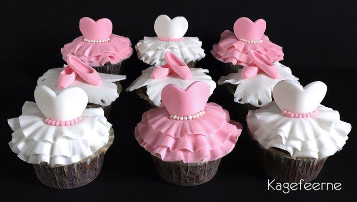 Ballet cupcakes - tutu and pointshoes / tåspidssko - small ballarina cakes