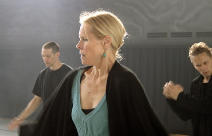 Carolyn Carlson - Synchronicity: Vom 23.10.13 bis 25.10.13 im Theatre du Leman Genève / Genf. Tickets: http://www.ticketcorner.ch/carolyn-carlson