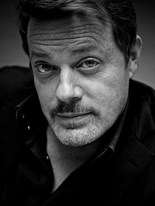 My favorite comedian: Eddie Izzard and #1 on Men Worthy of my Husband List