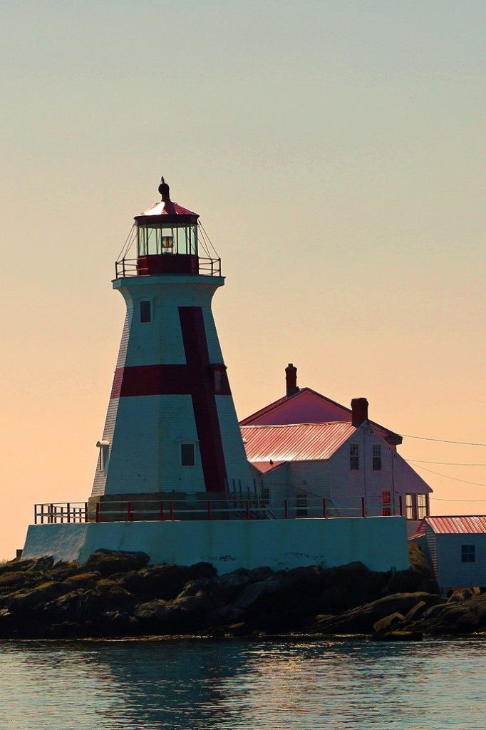 Jolly Breeze Whale Watching Adventure in St. Andrews by the Sea New Brunswick