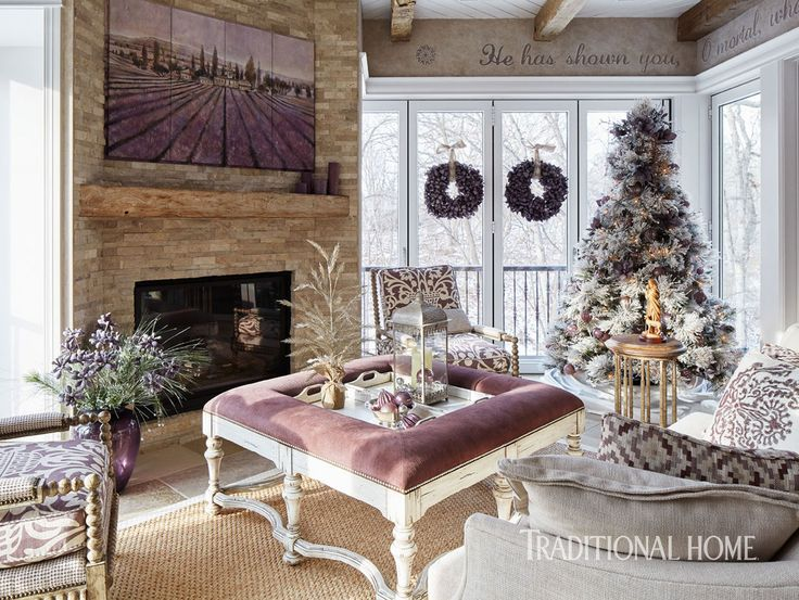 <p>An Iowa couple strike a harmonizing chord of style during the season they love most</p>