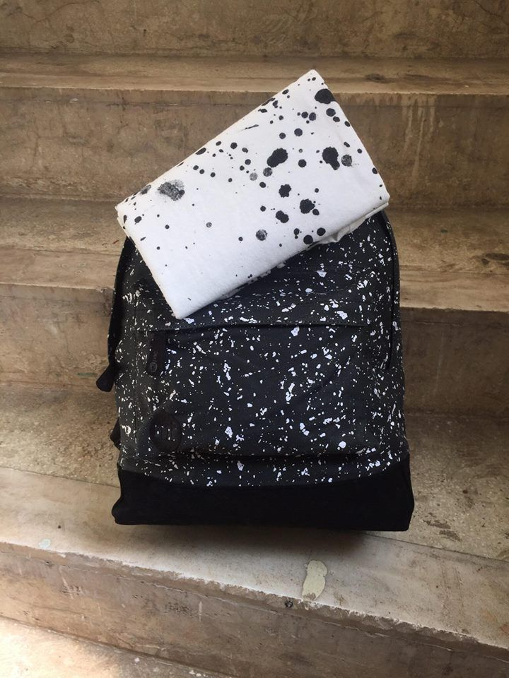 Splattered backpack and paint-printed T-shirt for a cool street-style!