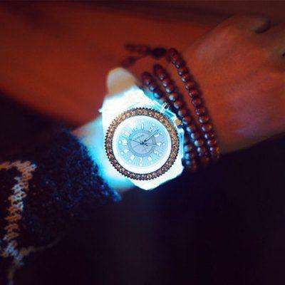 Llévalo por solo $17,400.Los hombres de la jalea del diamante de cuarzo reloj de pulsera Cool Flash Light.