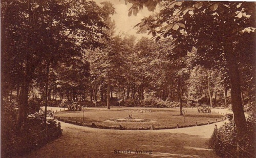 The park before the statue.