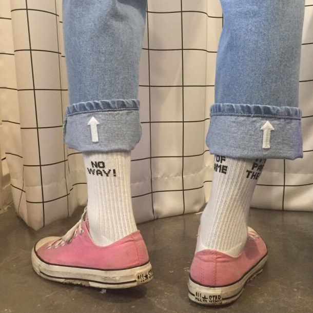 90s converse and socks