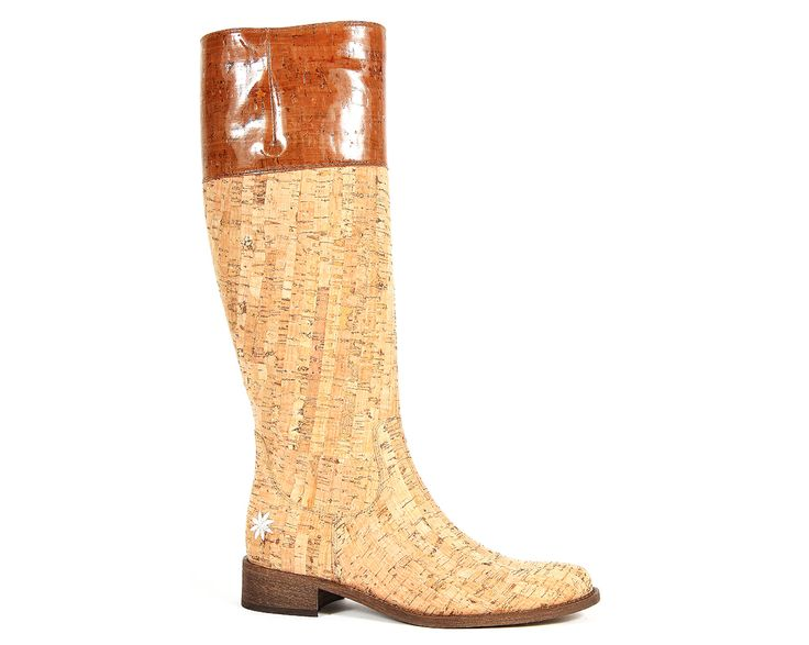 Natural cork boot with leather interior #cork #portugal