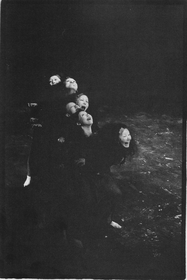 Butoh Performance, Ariadone. Photograph by Mitsutoshi Hanaga. S)
