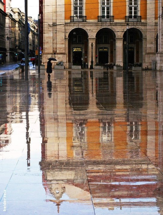 Lisbon - downtonw in the rain #Portugal