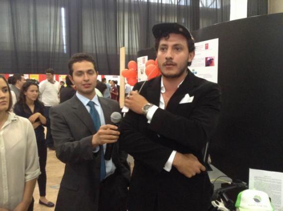 Un equipo compuesto por cuatro estudiantes de la Universidad Iberoamericana Puebla desarrolló una gorra que cuenta con celdas que reciben la energía solar y la transforma en energía eléctrica para recargar las pilas de equipos móviles como celulares, IPhone y tabletas.  http://e-consulta.com/nota/2015-05-13/ciencia/crean-gorra-que-transforma-energia-para-recargar-moviles  #Biotechna #Puebla #EnergíaSolar