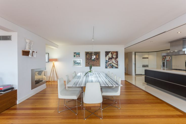 HomeLovers: dining room + open kitchen