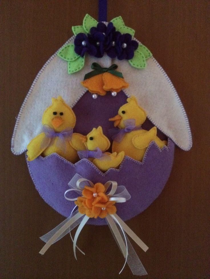 Uovo con pulcini in pannolenci
