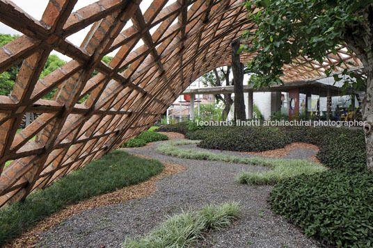 Solano Benitez / Gabinete de Arquitectura - Teletón, Lambaré, Paraguay