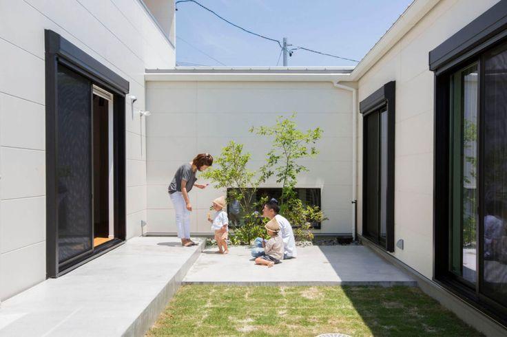 窓のない斬新なファサードの、中庭を囲む開放的な家 施工実績 愛知・名古屋の注文住宅はクラシスホーム