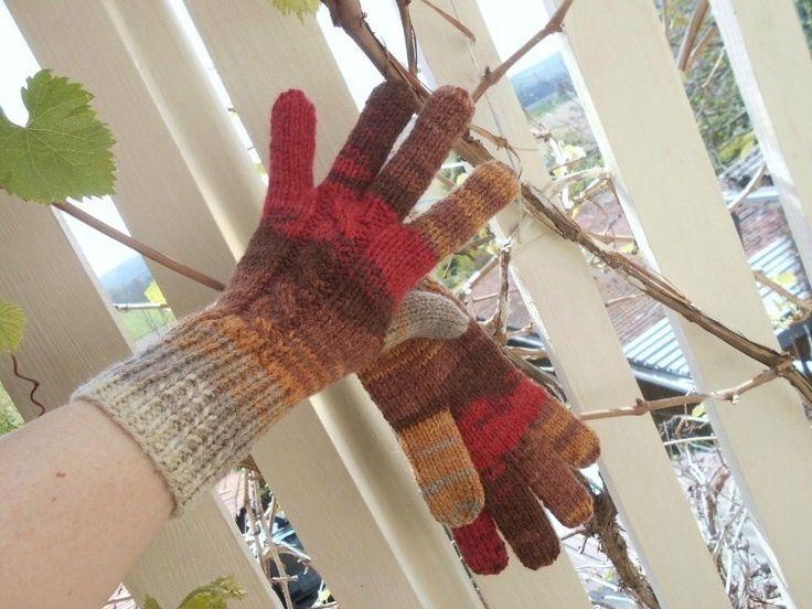 Až+přijde+zima+ručně+pletené+rukavice+teplé,+delší+na+zápěstí+nebude+foukat+do+rukávku,+zaručeně+nekousavé+na+každé+je+přechod+barev+trochu+jiný,+tím+jsou+originální+a+jedinečné+pouze+jeden+jediný+pár+další+úplně+stejný+není+a+nebude+vždy+bude+přechod+barev+trochu+jiný+je+to+melír+červenohnědobéžový