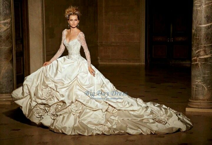 Huge Wedding Ball Gowns: Eve Of Milady Long Sleeved Wedding Dress